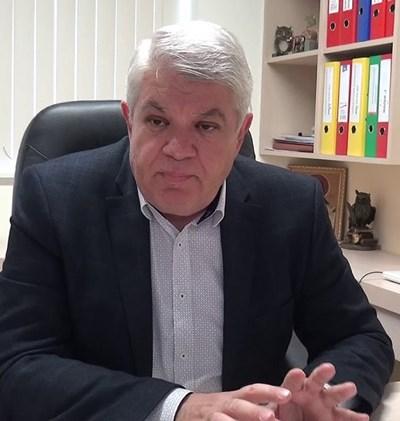 Проф. Илиан Дойков