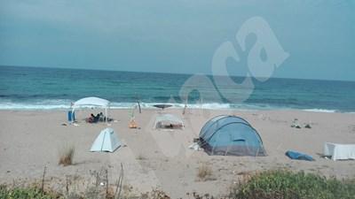 В четвъртък парламентът прие промени в закона, според които от 2021 г. у нас се забранява дивото къмпингуване, палатки и каравани ще може да има само на обособени места СНИМКА: 24 часа
