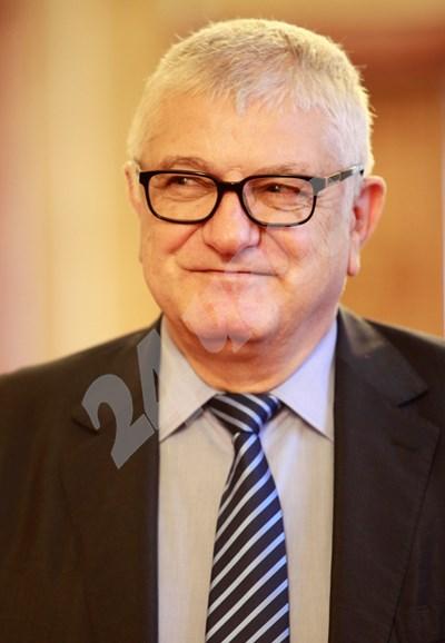 Петър Кънев подкрепи генералния секретар в оставка Владо Николов. СНИМКА: 24 часа