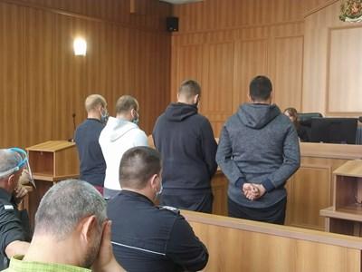 Четиримата обвинени в отвличане и грабеж пред съда
