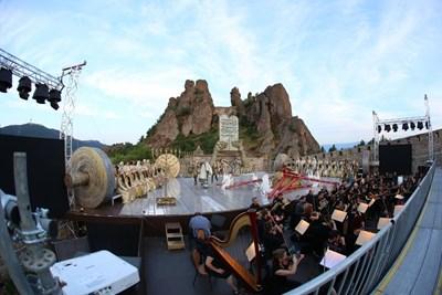 """""""Опера на върховете"""" ще ви извиси над Белоградчишките скали с крилете на оперното и балетното изкуство. Снимки: Софийска опера и балет"""