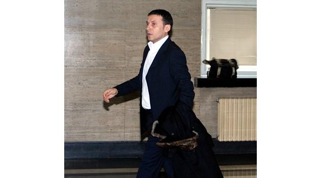 Миню Стайков е задържан, разпитват членове на семейството и служители от фирмите