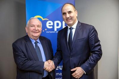 Председателят на ПГ на ГЕРБ и заместник-председател на партията Цветан Цветанов проведе работна среща с председателя на Европейската народна партия (ЕНП) Жозеф Дол СНИМКИ: пресцентър на ГЕРБ