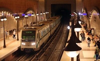 Временно е спряно метрото по част от третата линия