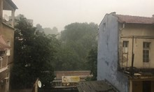 Проливен дъжд с градушка брули Пловдив (Снимки)