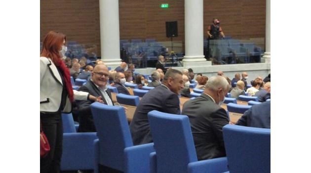 """Депутатите отхвърлиха ветото на Радев върху """"кариерните бонуси"""" в съдебната власт"""