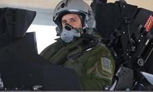 """Президентът след полета с """"Рафал"""": Невероятен! Да питаме за цената (Видео)"""