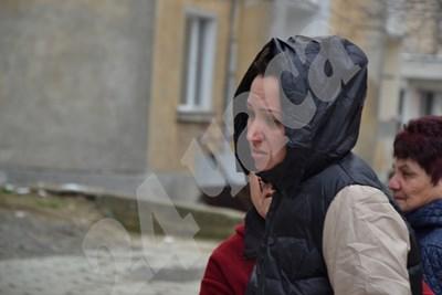 Майката на убитата 7-годишна Дамла се прибра в Момчилград. Снимка НЕНКО СТАНЕВ СНИМКА: 24 часа