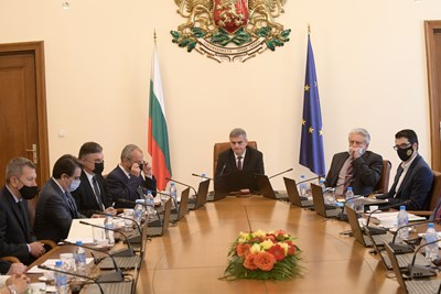 В сряда правителството одобри допълнително 161,6 млн. лв. за мярката 60/40. СНИМКА: ЙОРДАН СИМЕОНОВ