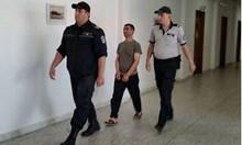 Гастарбайтер закла мъжа на бившата си жена и се скри в Руенския Балкан