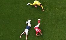 Франция и Дания стреляха по футбола  с  бойни патрони