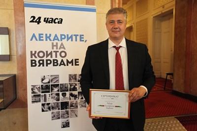 """Проф. Асен Балтов е едно от знаковите лица на лигата """"Лекарите, на които вярваме"""", номиниран за нея от благодарни пациенти."""