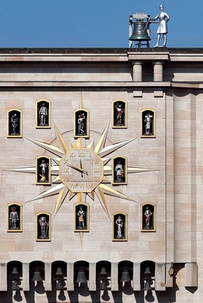 Часовник в центъра на Брюксел  СНИМКА: РОЙТЕРС