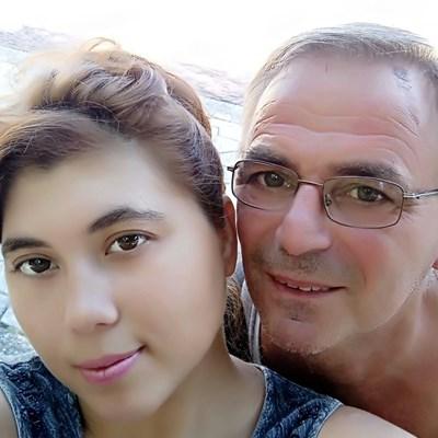 От профилите им  във фейсбук личи,  че Юлияна и Митко  са имали и  щастливи дни.