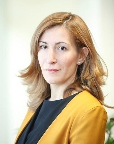 Министър Ангелкова събра представители на туристическия бизнес на среща в Слънчев бряг.