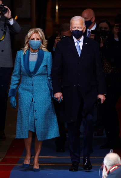 Джо Байдън и съпругата му Джил пристигат на церемонията. СНИМКА: РОЙТЕРС