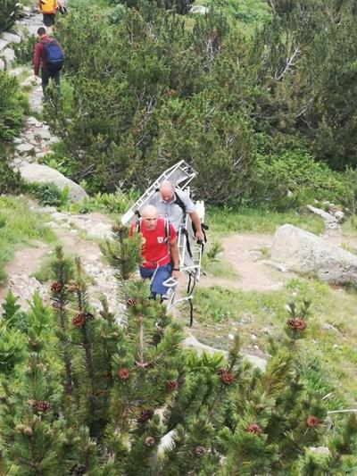 Планински спасители от Банско помогнаха на пострадал турист