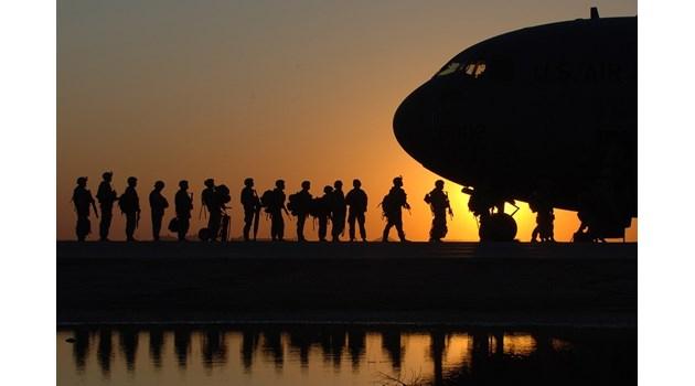 Ще спрат ли и войните? Пентагонът замразява за 2 месеца всякакви движения на американски войски