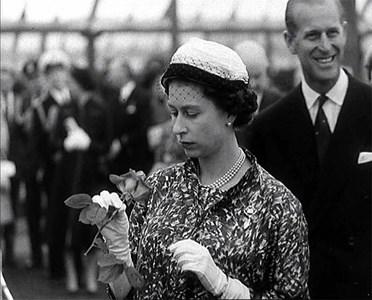 Кралица Елизабет и съпругът и принц Филип през 1960 г. Снимка: Ройтерс