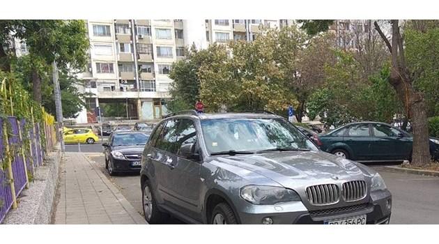 """Ето го джипа, натъпкан с пари, в който са арестувани още трима по делото """"Арабаджиеви"""" (Снимки)"""