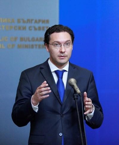 Не влезе в затвора и не отиде посланик в Румъния, но може да оглави кабинет