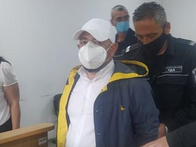 Ивайло Дадански в съда се разкая. Снимка: Авторът