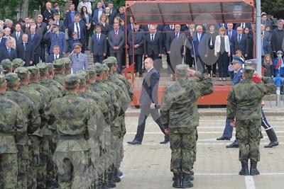 """""""Хората са най-висшият приоритет на Българската армия"""", каза Радев. СНИМКИ: ПИЕР ПЕТРОВ СНИМКА: 24 часа"""
