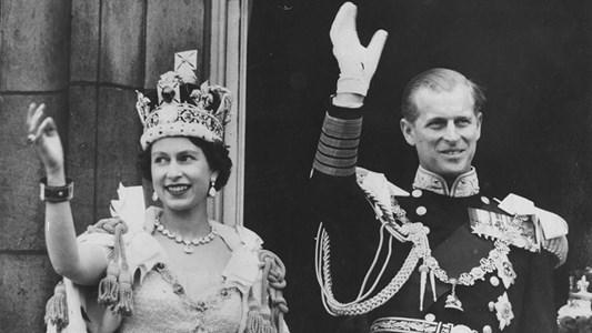 Кралица Елизабет и  съпругът й принц Филип по време на коронацията.