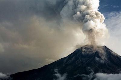 Вулканът отново изригна на остров Ла Палма СНИМКА: Архив
