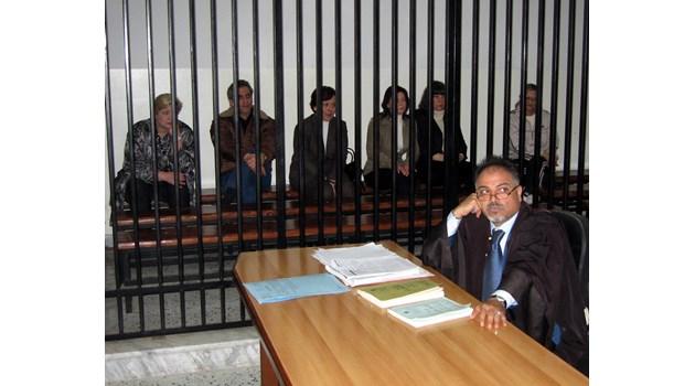 21 години след арестите в Либия сестрите работят на 2 места и в нощни смени. Д-р Георгиев преживя инсулт