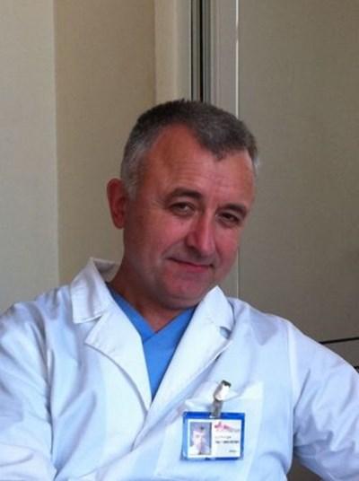 """доц. д-р Валери Марияновски СНИМКА: пресцентър на """"Пирогов"""""""