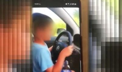Във видеото, заснето от майката на 9-годишния шофьор от силистренското село Йорданово, се вижда как момчето управлява автомобил само  Кадър: Би Ти Ви