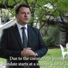 Британският посланик Роб Диксън говори във видеоклипа на чист български език, а отдолу думите му се превеждат на английски.