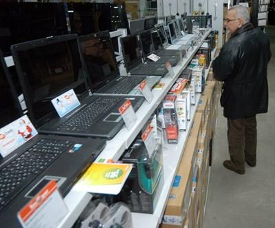 Битовата електроника в България е поскъпнала много леко за последните 17 г., но в повечето страни членки нейните цени са паднали през същото време.