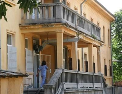 """Съмнителните за коронавирус се настаняват в инфекциозната клиника на УМБАЛ""""Св. Георги"""" в Пловдив"""