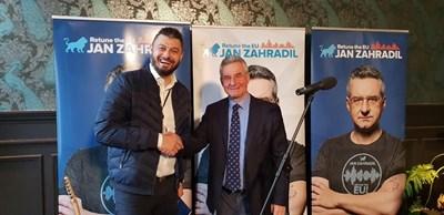 Николай Бареков представи пред участниците в конференцията и кандидатурата на Ян Захрадил за водещ кандидат за председател на Европейската комисия (ЕК) на общите европейски избори през май 2019 година.