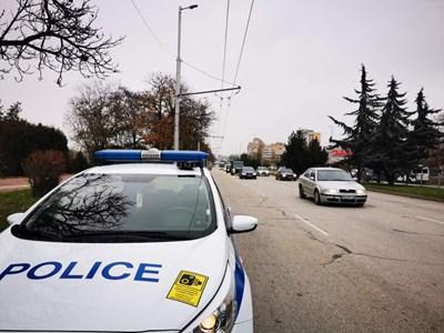 Пътните полицаи хванаха много нарушители.