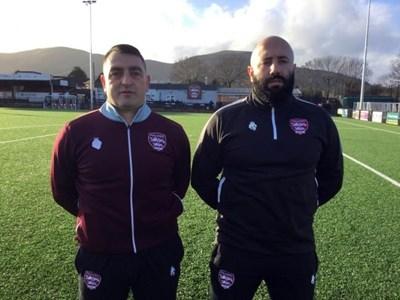 """Георги Раев (вляво) и Цанко Русчев водят """"Малвърн Таун"""" на 10-ото ниво в английския футбол."""