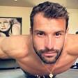 Григор Димитров с лицеви опори върху два стола (Видео)