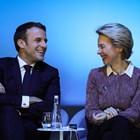 Въпреки критиките, които Урсула фон дер Лайен отправи към Еманюел Макрон, двамата демонстрираха чудесно настроение по време на Форума за мир в Париж.