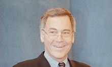 """Само в """"168 часа"""": Стив Ханке - на прицел. Историята на финансиста, който предизвика мощен политически скандал с корупционен привкус"""