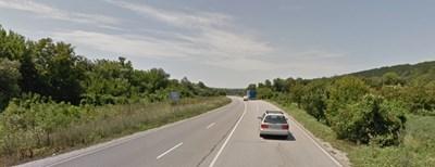 Инцидентът е станал на пътя Русе-Разград   СНИМКА: Гугъл стрийт вю