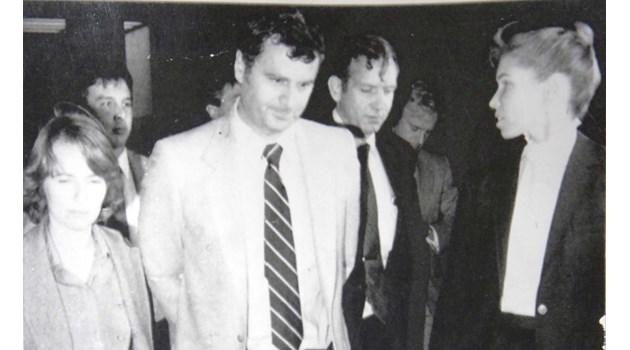 Красавици на ФБР по холивудски арестуват Пеньо Костадинов уж за ядрени тайни