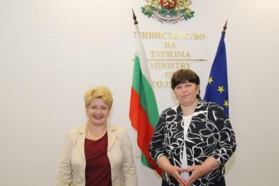 Министър Стела Балтова разговаря с посланика на Румъния у нас