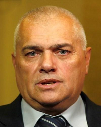 Министър Валентин Радев
