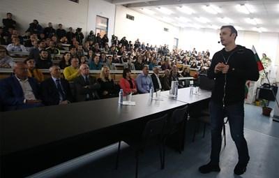 Бербатов показа пътя към успеха в НСА