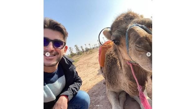 Александър Кадиев си направи селфи с камила