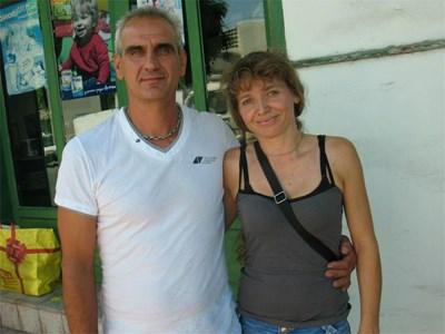 Родителите на новата Мис България - Ваня и Николай Карабойчеви, са горди и щастливи от успеха на дъщеря си.  СНИМКИ: АВТОРЪТ И АРХИВ