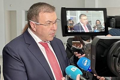 До края на лятото може да имаме 70% ваксинирани, твърди проф. Костадин Ангелов.