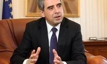 Президентът Радев отново заблуждава и манипулира. Може да навреди на германската инвестиция